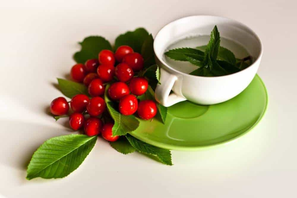 Mint tea with berries.